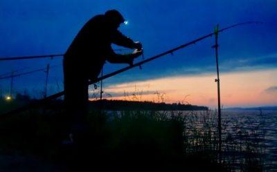 Рыбак ночью